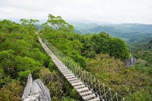 Những con đường mòn đi bộ ngoạn mục ở Philippines